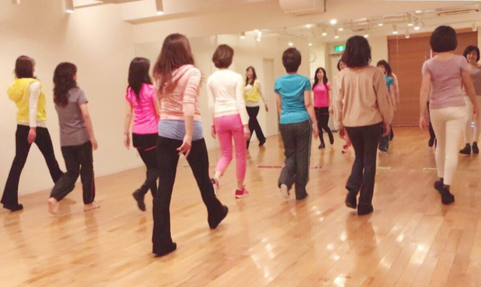 日本女性姿勢協会レッスン2